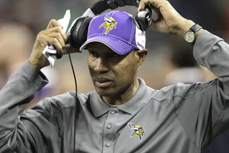 Leslie Frazier, a former Andy Reid disciple, will try to coach the Vikings to a win over the Eagles Sunday. (AP Photo/Paul Sancya)