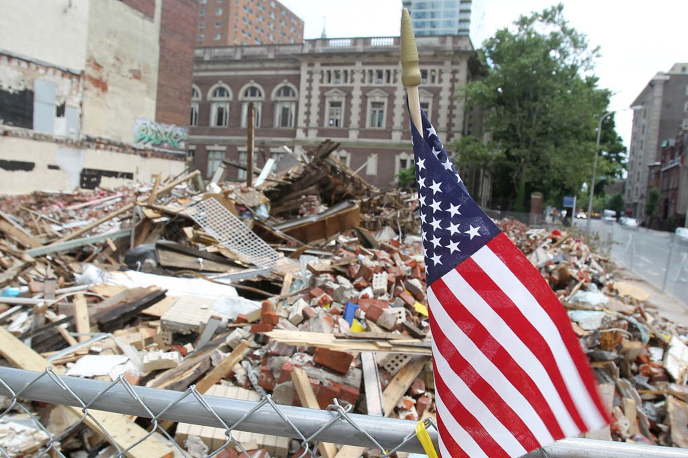 In a reversal, city releases dozens of collapse documents