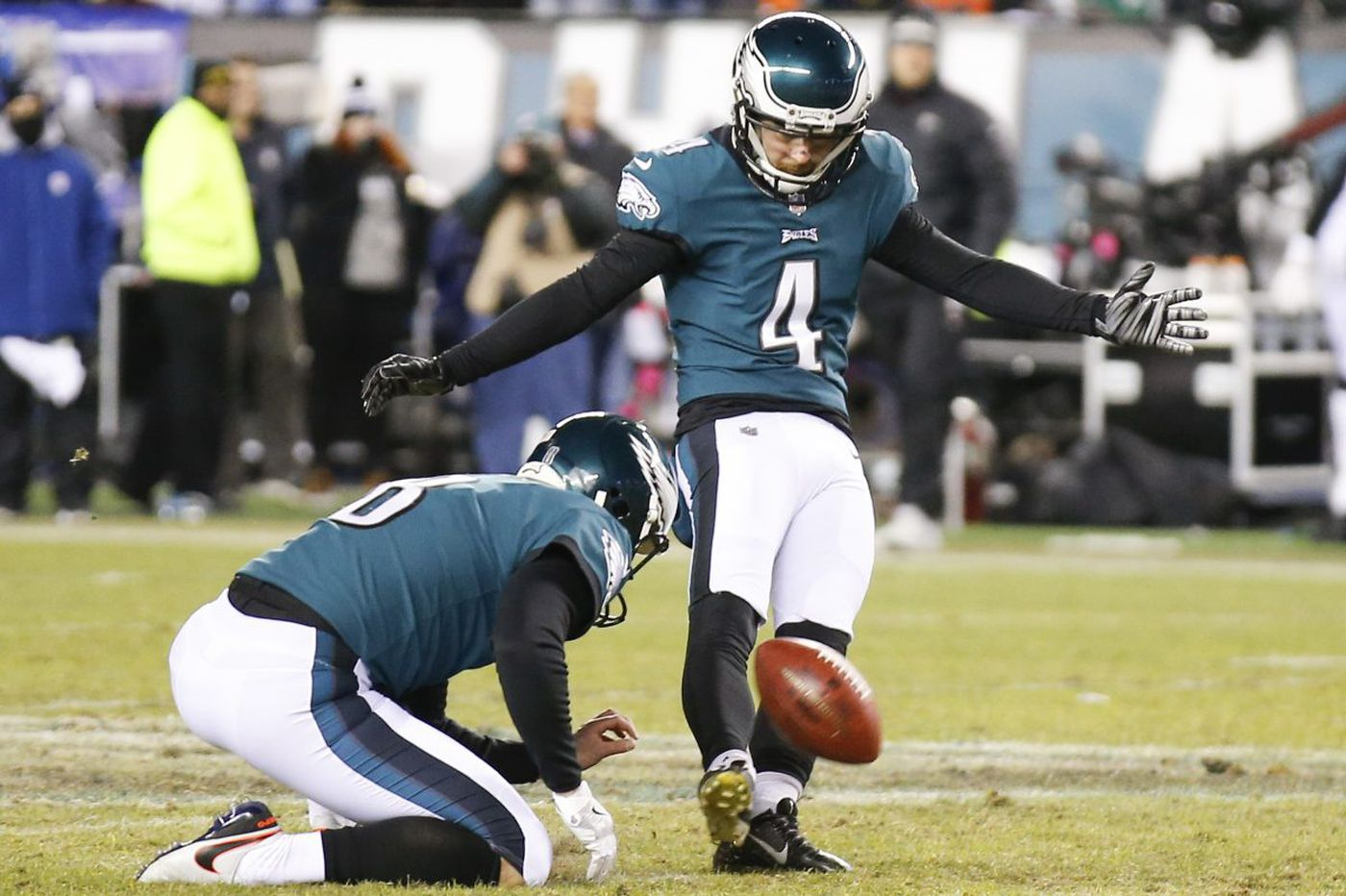 Eagles 15, Falcons 10 - as it happened