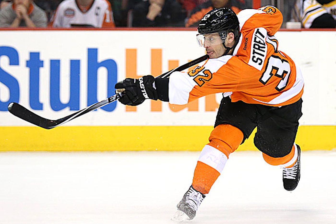Defenseman Streit becoming an offensive asset for the Flyers