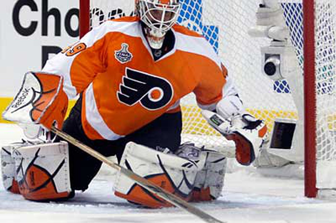 Flyers goalie Leighton to continue rehab with Adirondack assignment