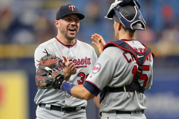 Phillies sign right-handed reliever Blake Parker