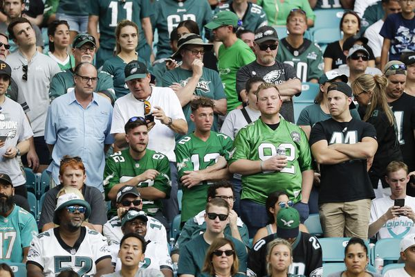 Eagles fans rightly embarrassed as Doug Pederson's team blows lead in 37-31 loss to awful Dolphins