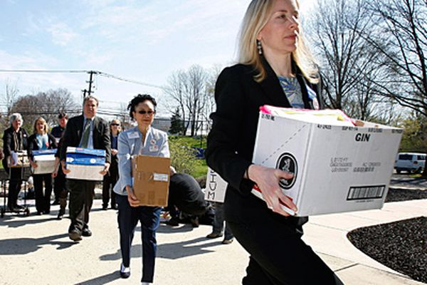 Groups deliver boxloads of comments to commission on proposed rules for Delaware River Basin drilling