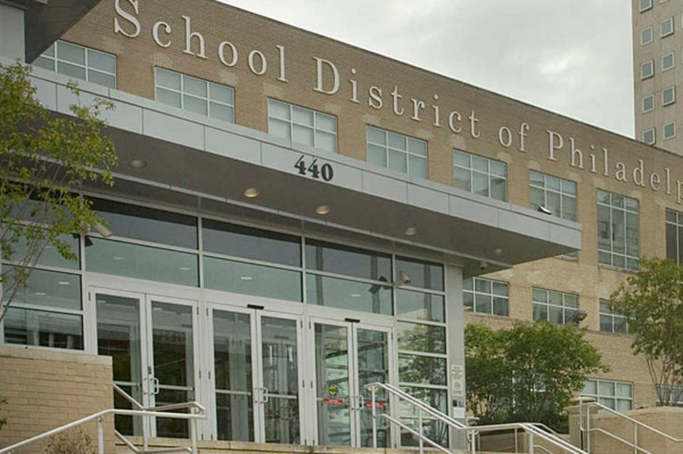 Pension costs continue to burden Philly School District, report says