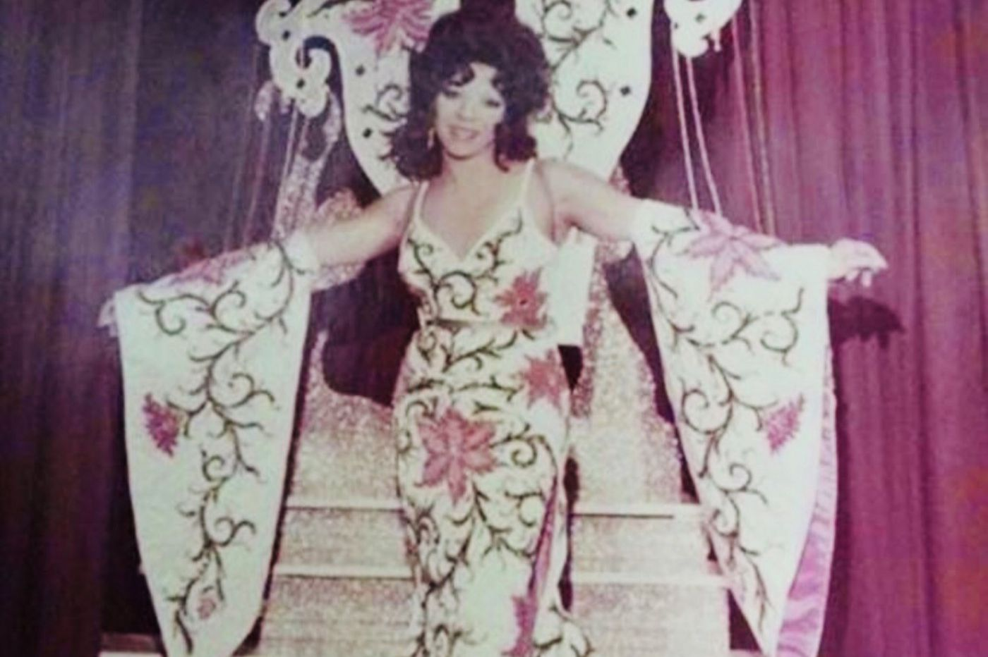 Les Harrison, a drag performer who entertained audiences for five decades, dies at 77