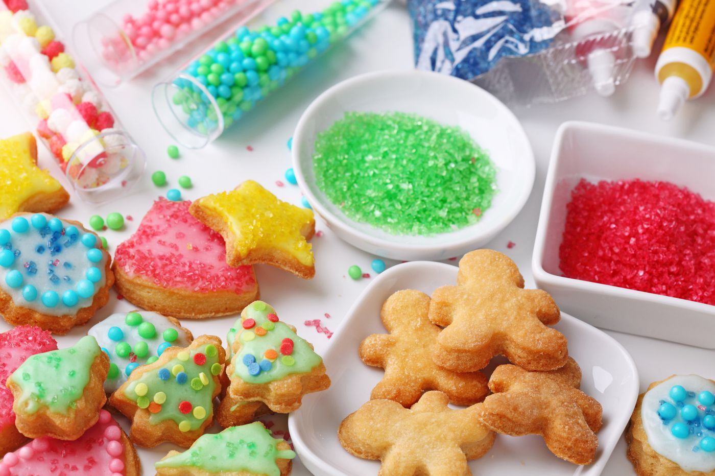 Holiday bakers beware: Not all 'edible' glitter is actually edible
