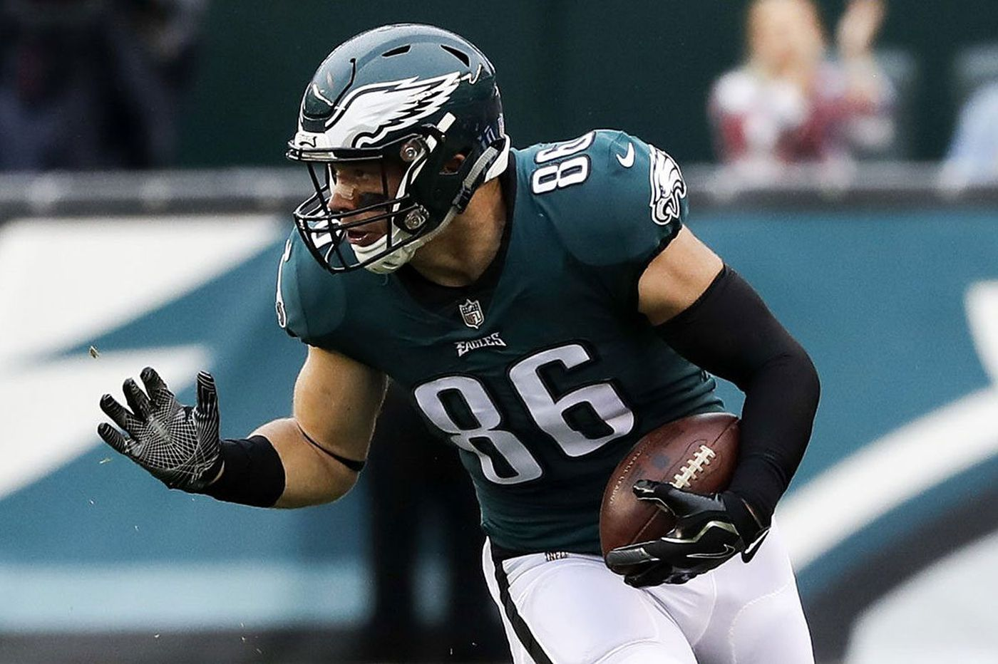 Eagles-Broncos inactives: Zach Ertz out, Jay Ajayi to play