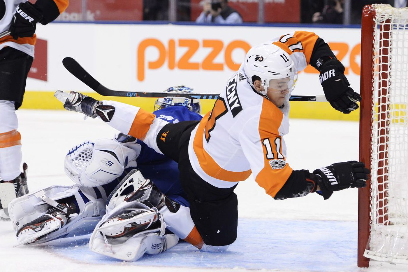 Sports Tonight: Flyers or Sixers, that is the question