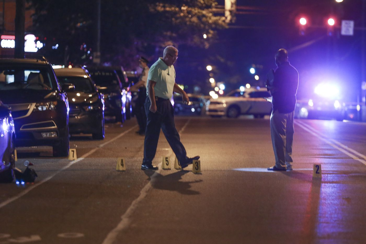 Philly shooting leaves 6 people wounded, including 3 in critical condition