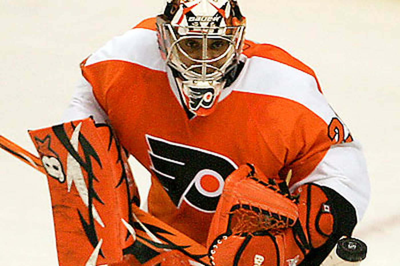 Source: Flyers' Emery might need hip surgery