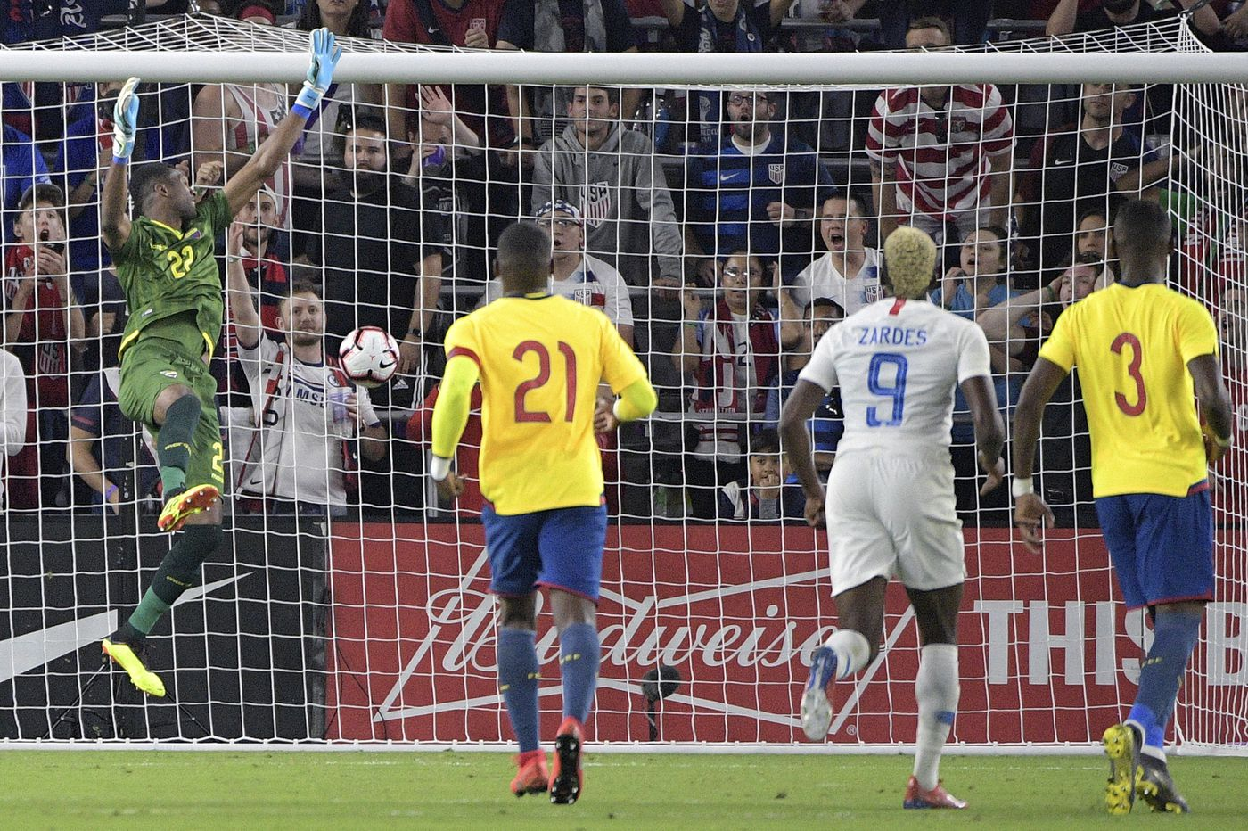 Gregg Berhalter gets third straight win as USMNT beats Ecuador 1-0 on fluke goal