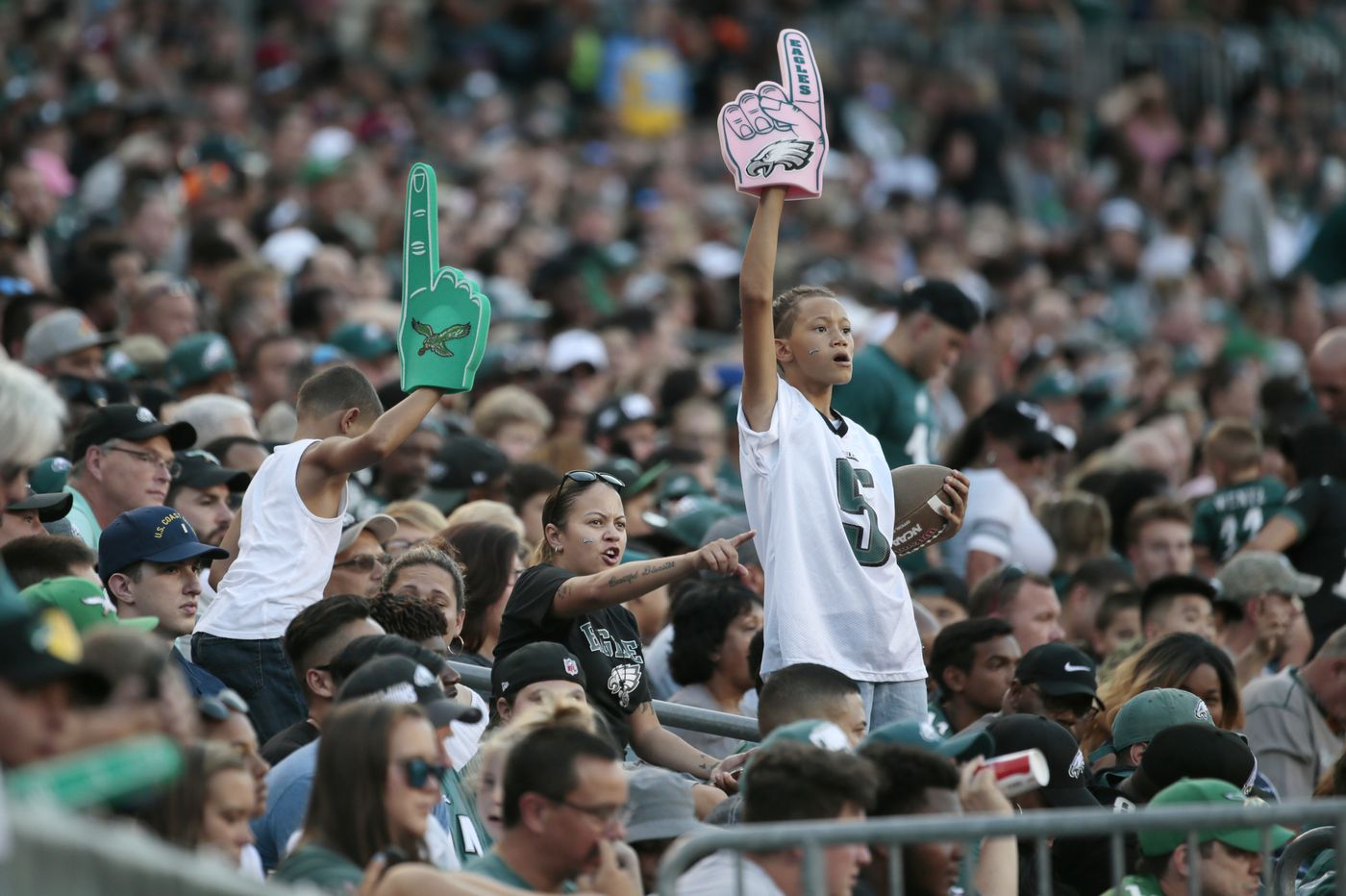 Eagles' Zach Ertz says military appreciation night 'puts everything into perspective'