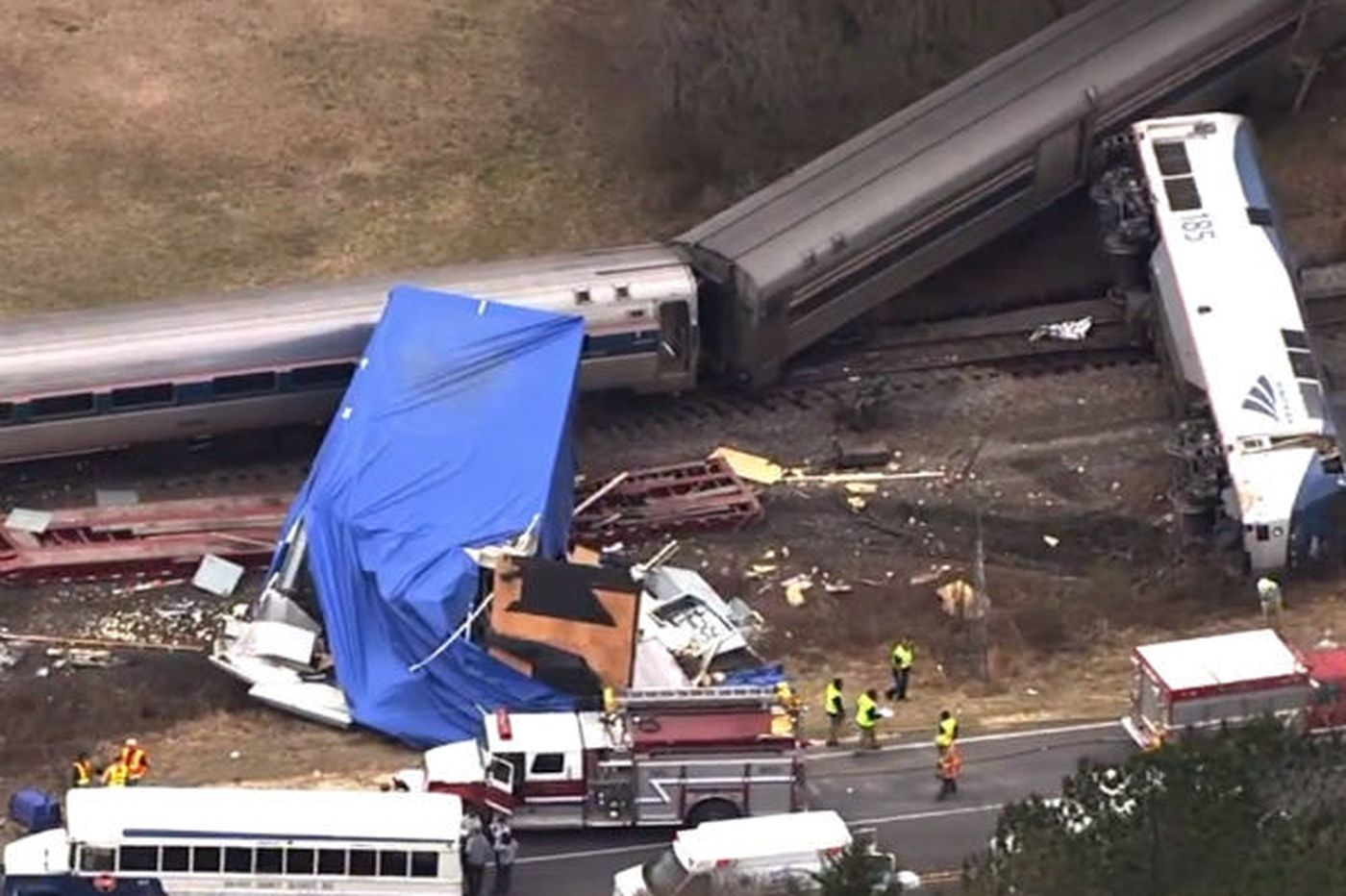 No indication that Amtrak was warned of stuck truck