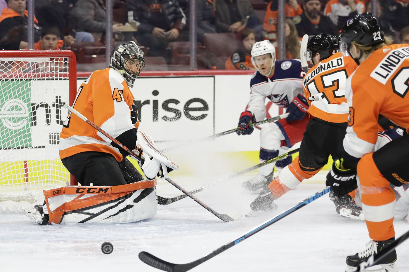 Battle-tested Anthony Stolarz providing needed calm for Flyers in goal | Sam Donnellon