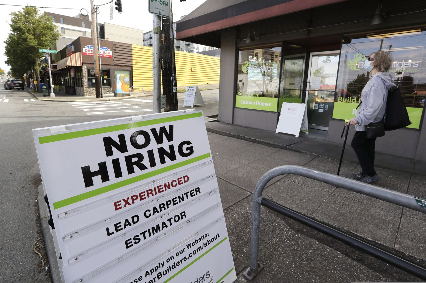 Even as economy rebounds, 1.5 million laid-off workers seek unemployment benefits this week