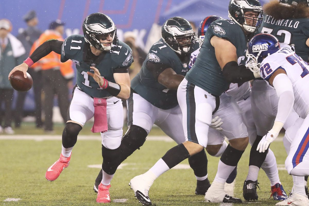 Carson Wentz able to lift the Eagles when needed most in win over Giants