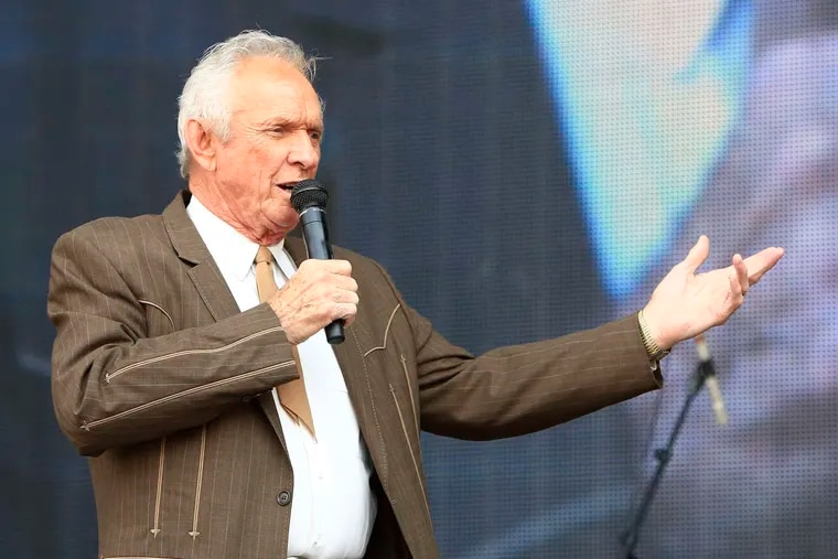 Mel Tillis performing at the Oklahoma Twister Relief Concert in Norman, Okla., in 2013. Tillis, a longtime country star who wrote hits for Kenny Rogers, Ricky Skaggs, and many others, died Sunday at age 85.