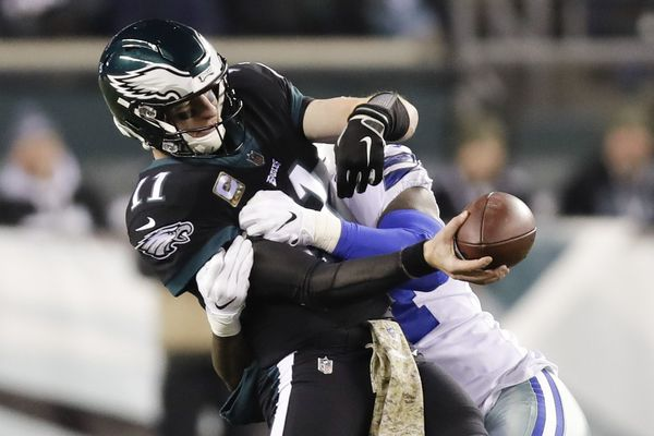 Carson Wentz's second half can't overcome awful start as Cowboys expose mediocre Eagles