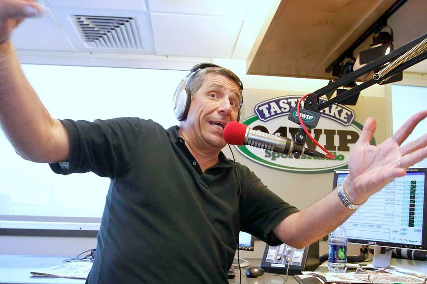 Through difficult times, 94WIP's Angelo Cataldi remains connected to fans
