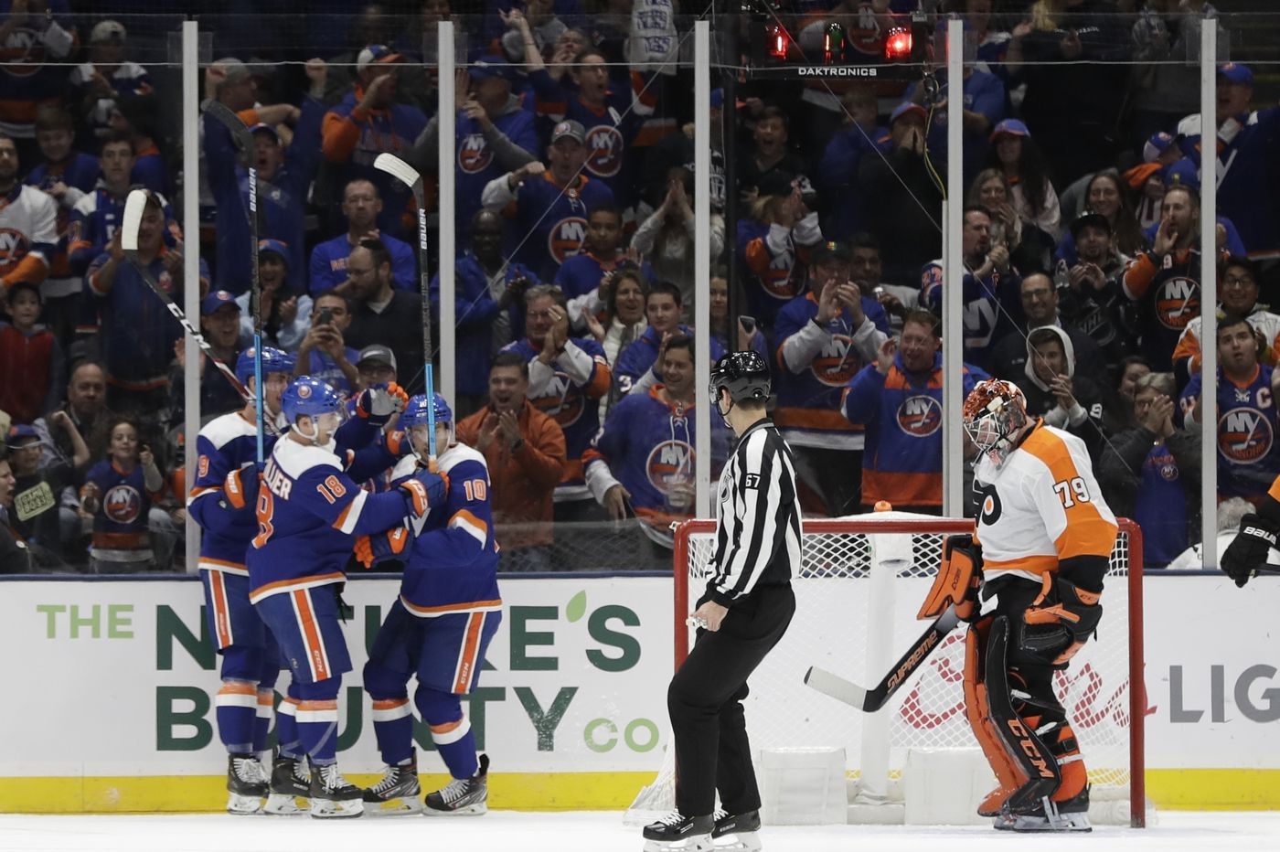 Carter Hart takes the blame for Flyers' 5-3 loss to Islanders
