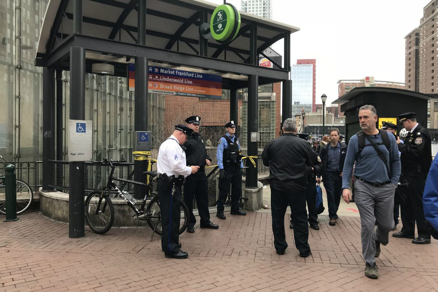 Teen surrenders in stabbing at 8th and Market subway station