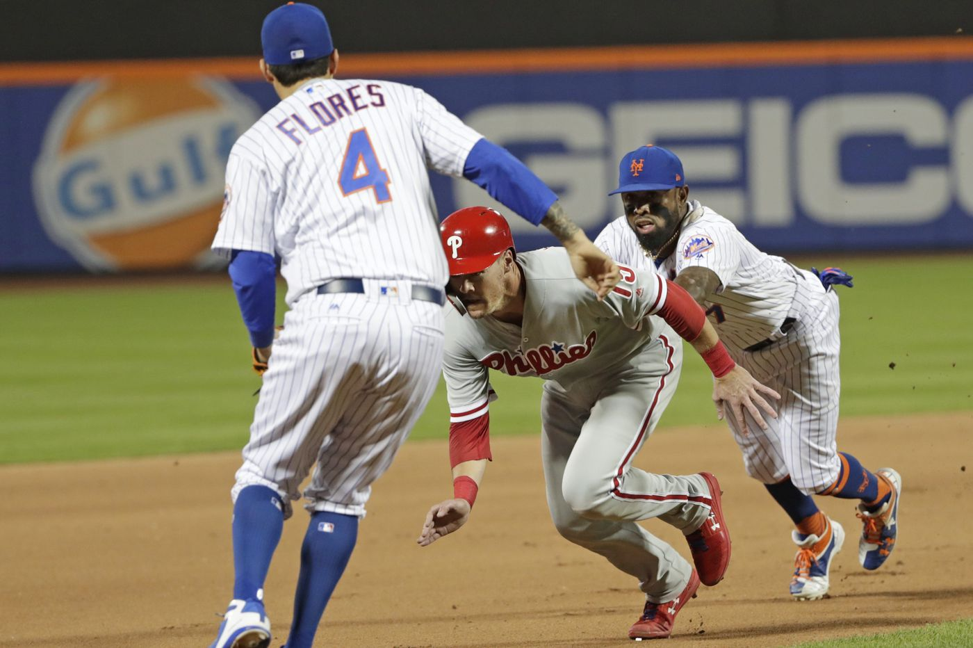 Phillies fall to Mets on homer in 10th inning, waste Vince Velasquez's strong outing