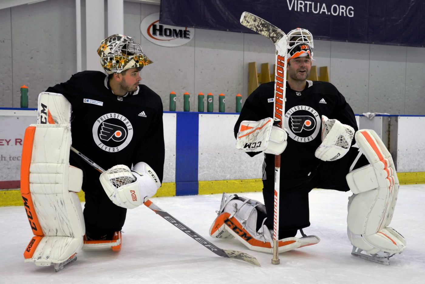 Flyers' two-goalie approach paying dividends