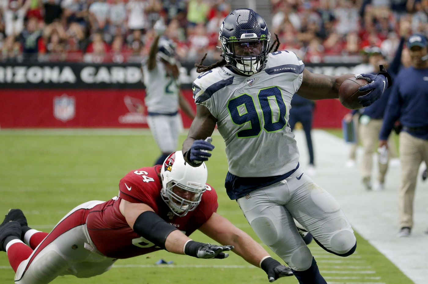 Jadeveon Clowney a game-time decision for Sunday's Eagles-Seahawks matchup