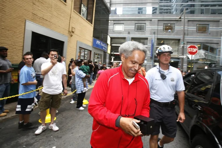Mayor Street became the third person in Philadelphia to purchase the new iPhone, at the AT&T store on South 16th Street, in 2007.