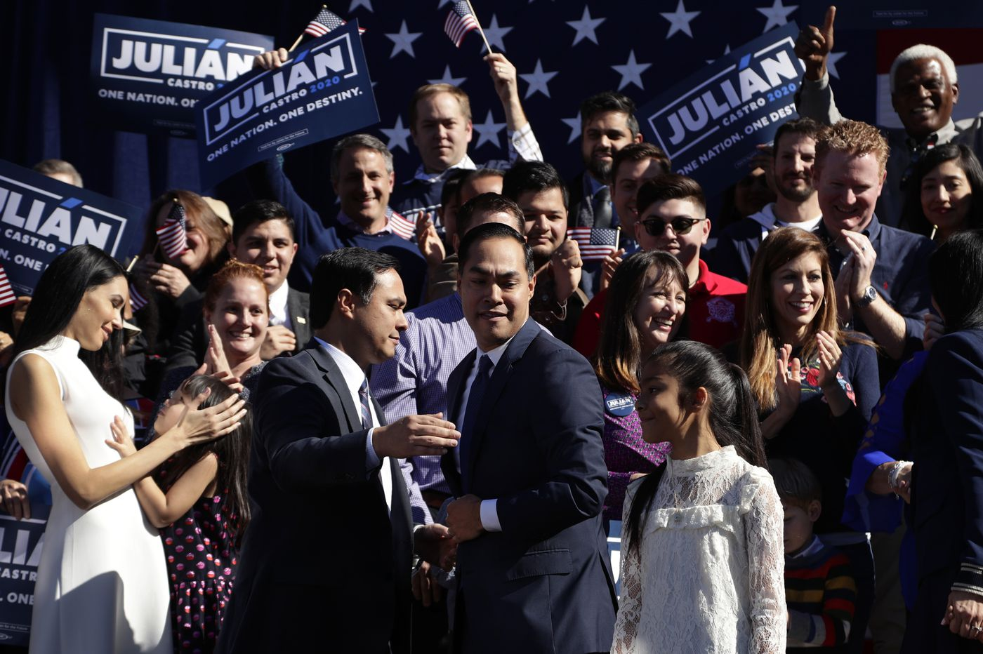 Former Obama housing chief Julian Castro joins 2020 campaign