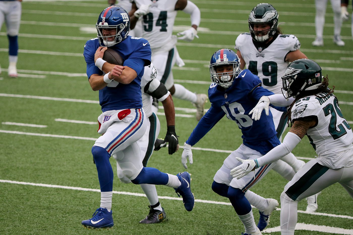 Eagles' early struggles against the run spotted the Giants a 14-3 lead and cost them a victory