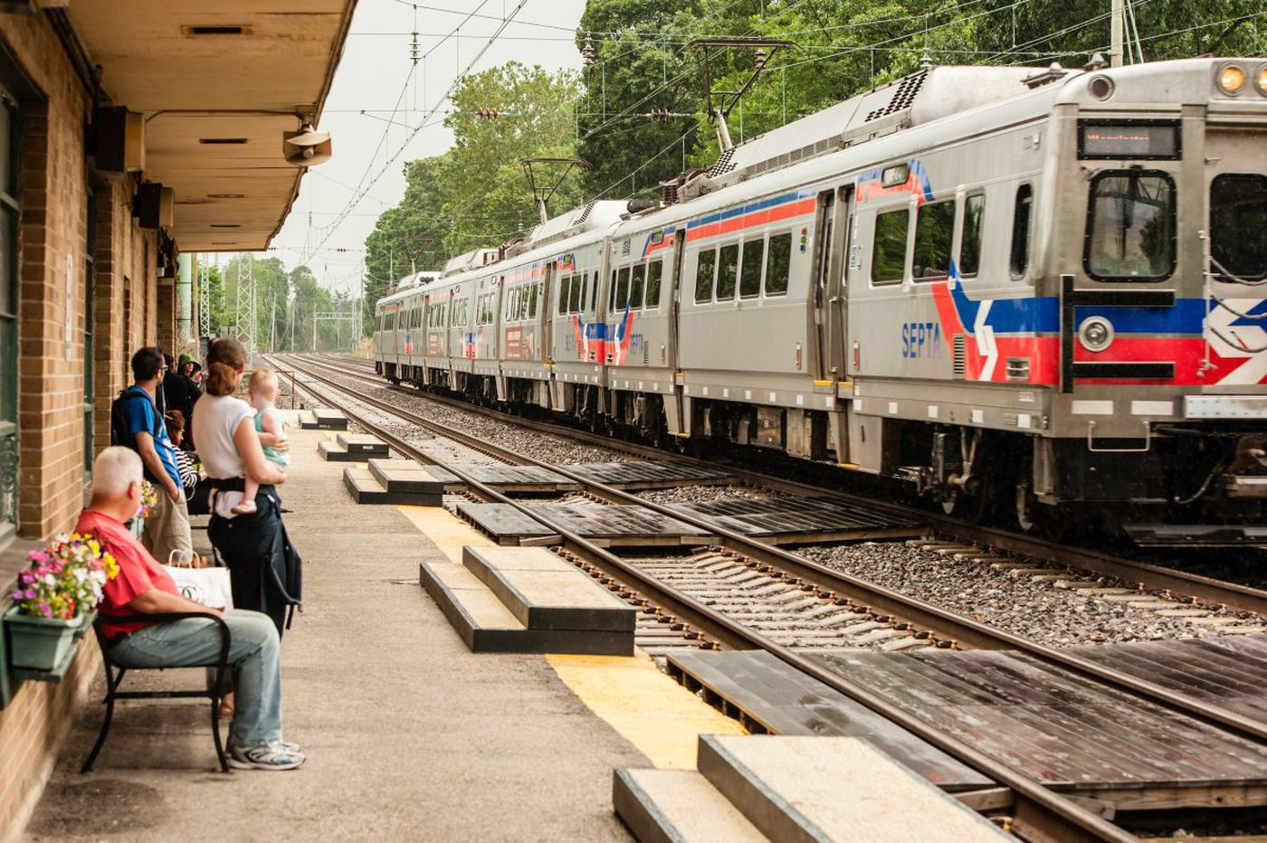 Suburban rail stations lift value of houses nearby, says SEPTA report