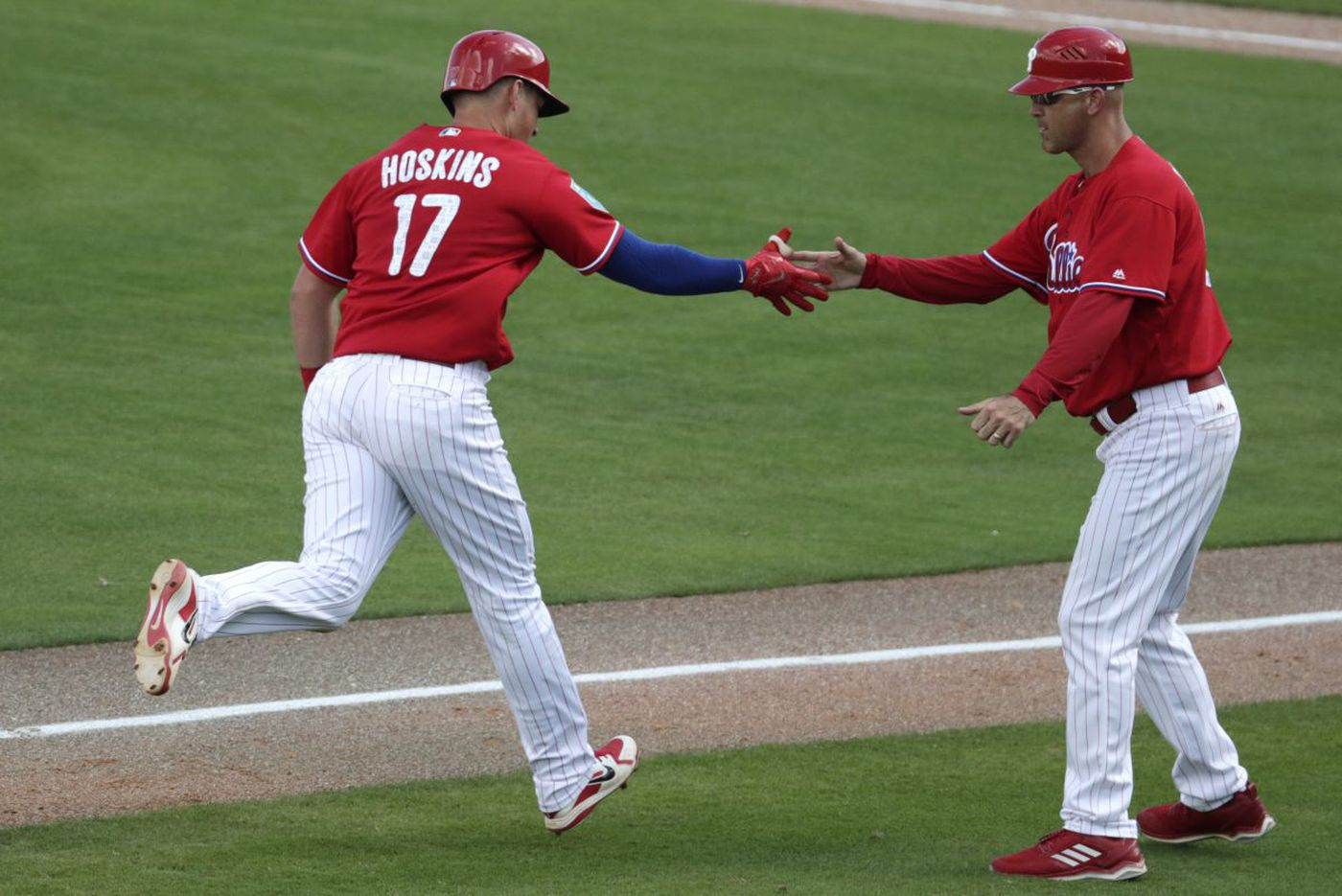 Rhys Hoskins homers, but Phillies fall to Tigers in spring training game