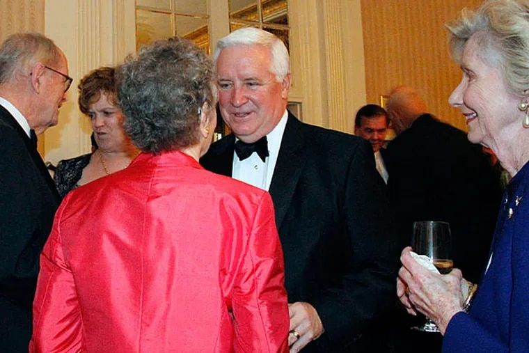 Gov. Corbett talks with guests during the Pennsylvania Society meeting at the Waldorf Astoria in N.Y. ASHLEE ESPINAL / For The Inquirer