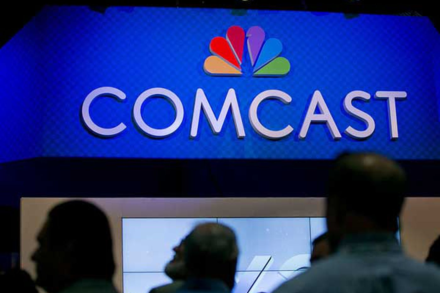 Comcast shareholders approve acquisition of Time Warner Cable