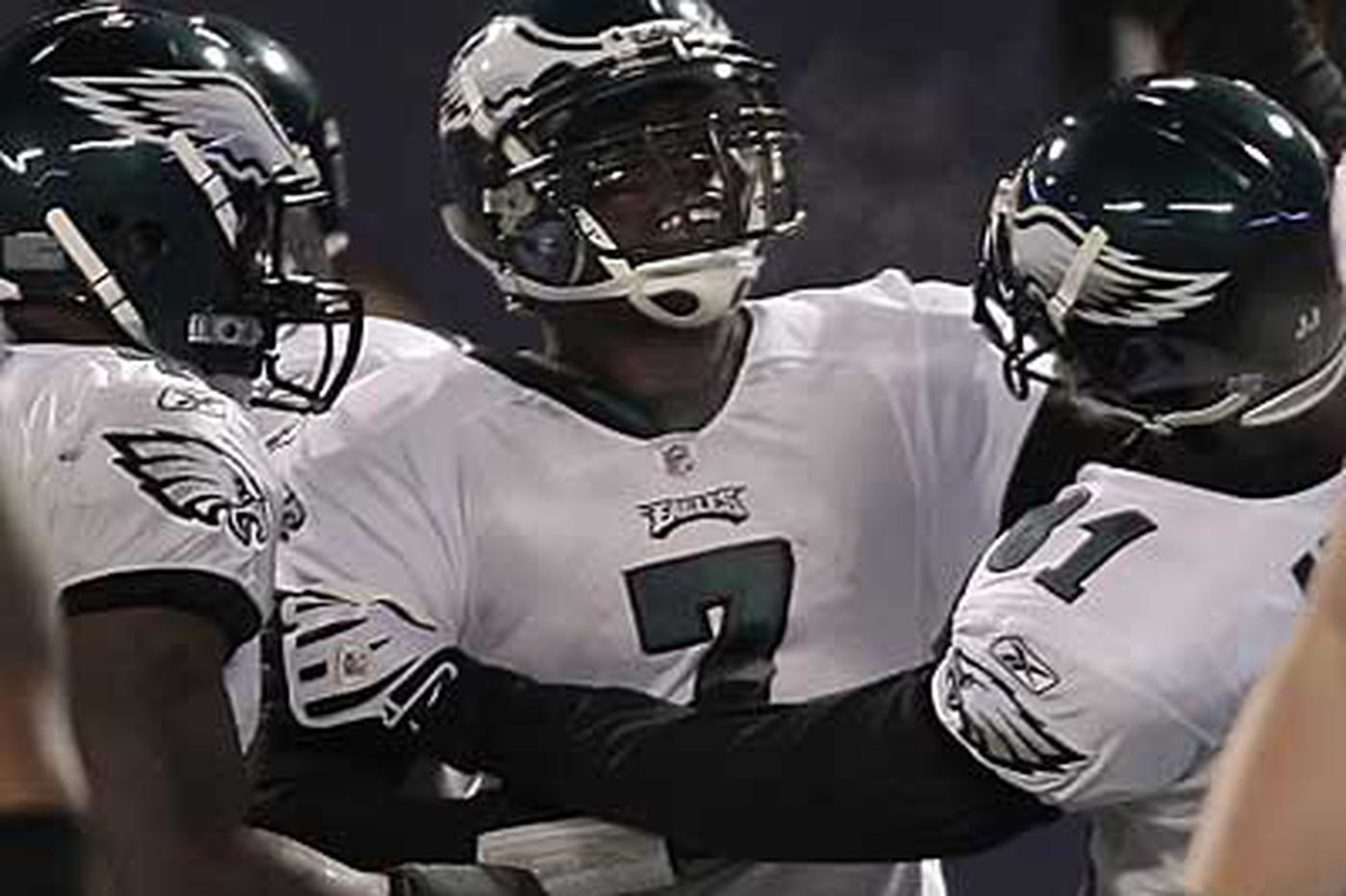Eagles Notes: Michael Vick's award draws criticism