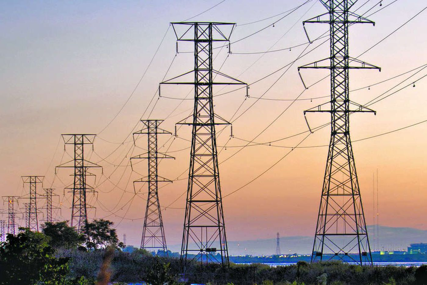 Federal corporate tax cuts flow back to utility customers