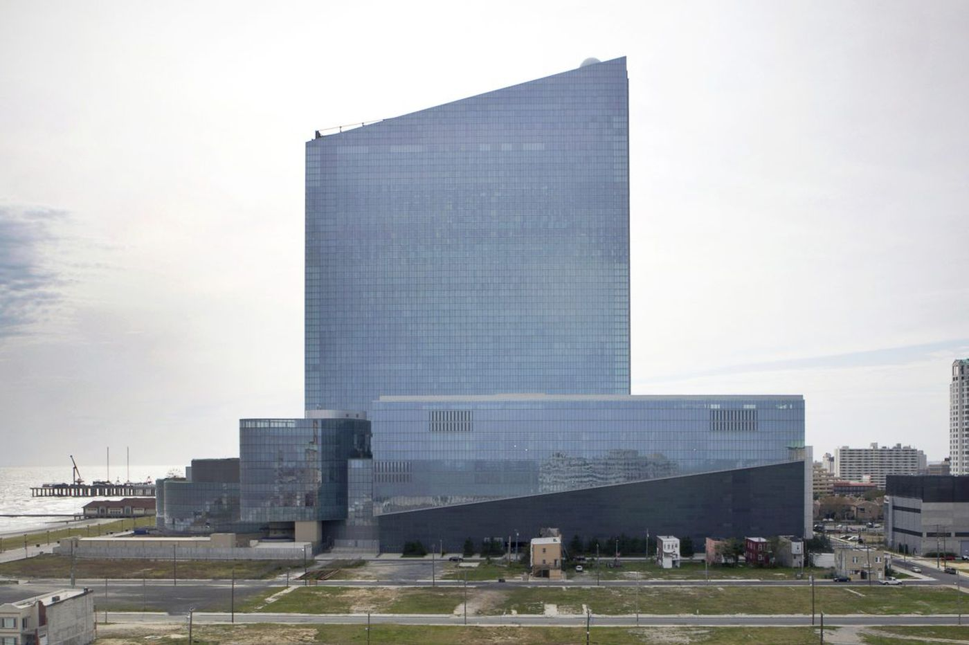 Revel suitor firm said to be under contract to buy land beside casino