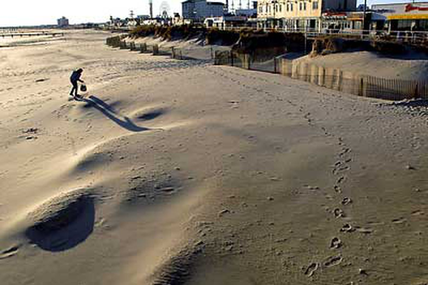 Feds may give up on beach projects