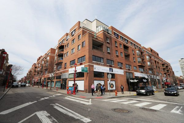 Abbotts Square turnaround on South Street may come too late for landlord Eric Blumenfeld, as foreclosure looms