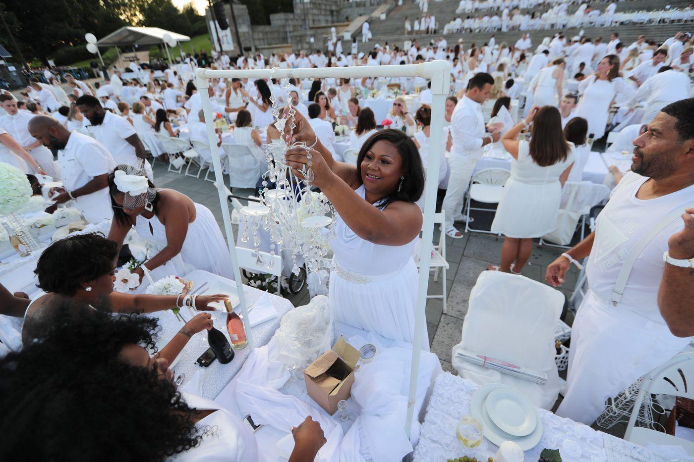 Win a ticket to Diner en Blanc | Let's Eat