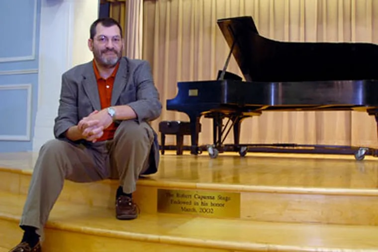 """Robert Capanna, for 27 years the executive director of Settlement Music School, is among those taking cuts because of a major drop-off in contributions this year. """"I've never seen anything like it,"""" he said. (Clem Murray / Staff Photographer)"""