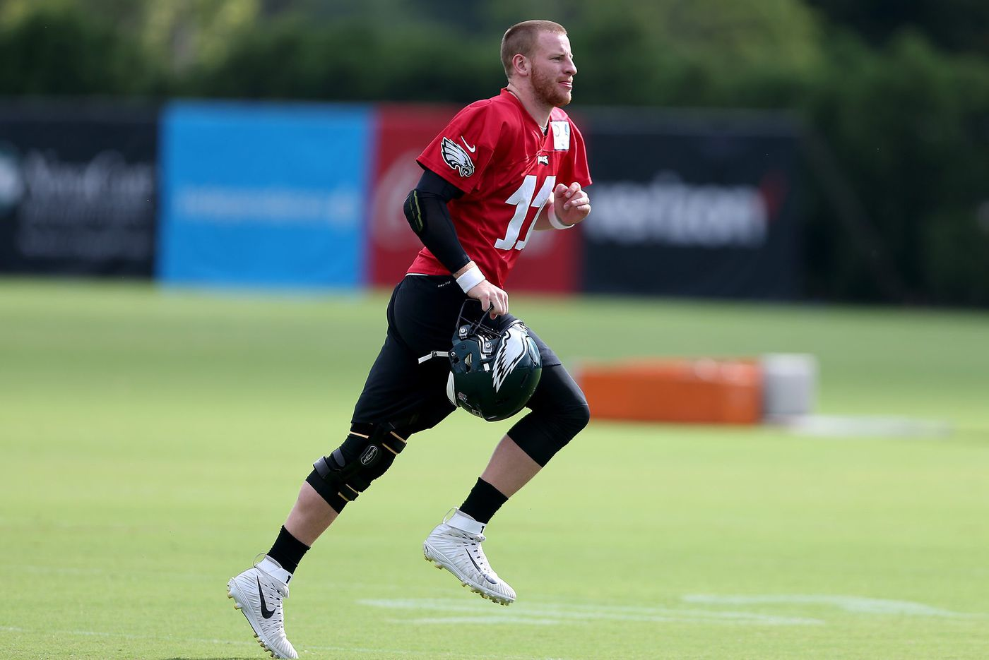 Carson Wentz close to practicing fully again, but time is not on his side as opener approaches