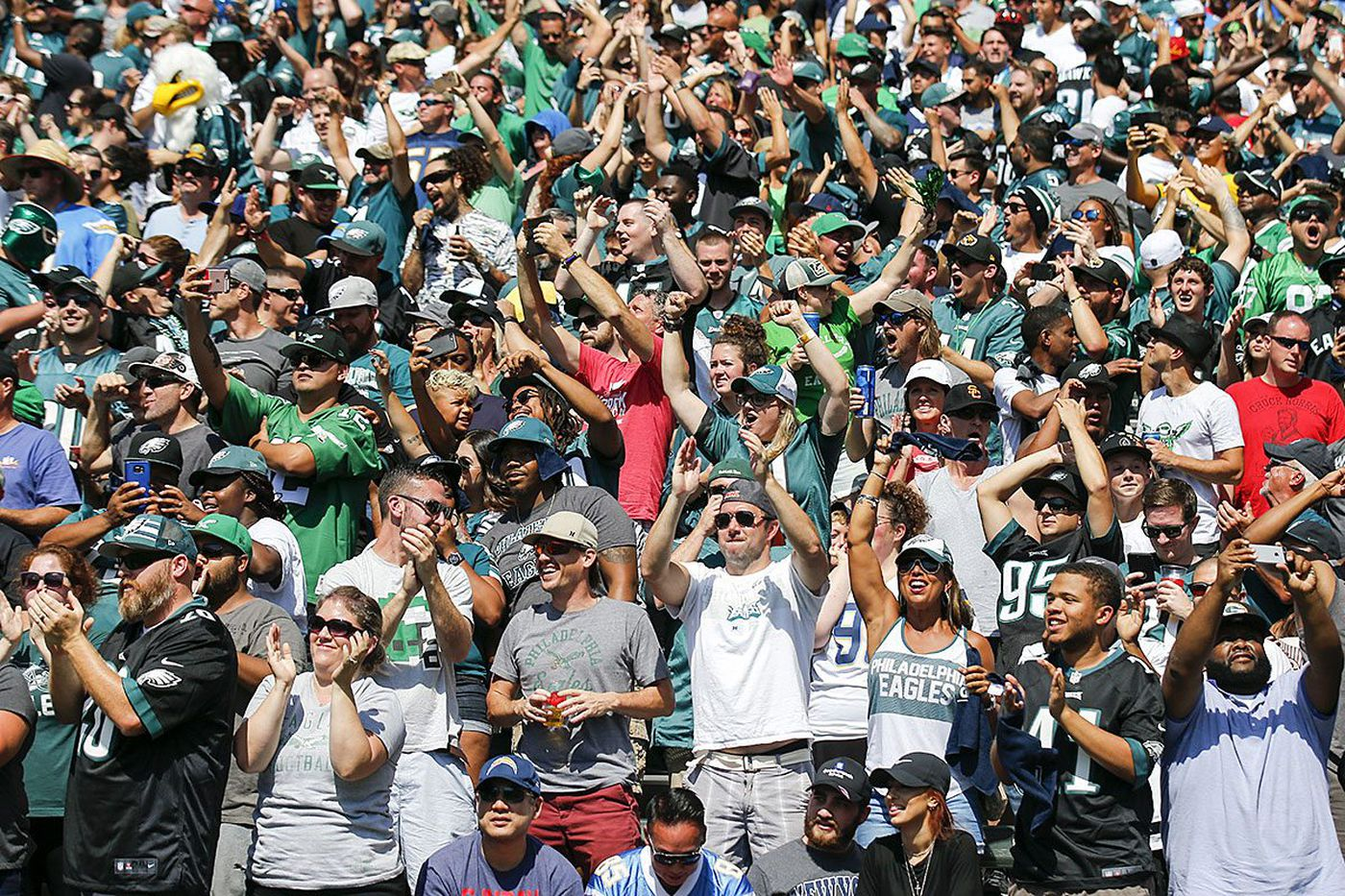 Eagles fans take over Chargers' home