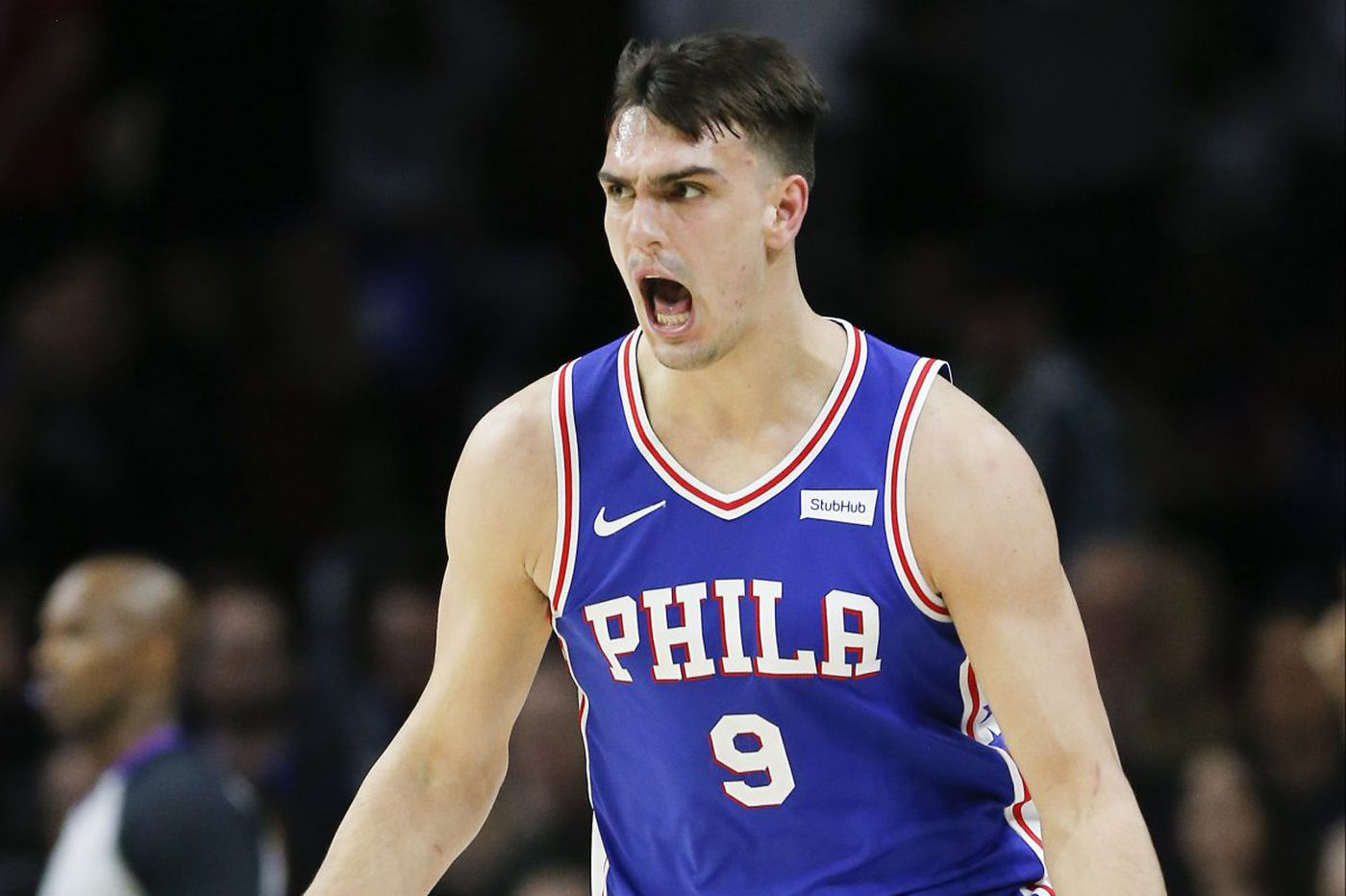 Sixers' Dario Saric leaves game with chipped tooth, cut lip