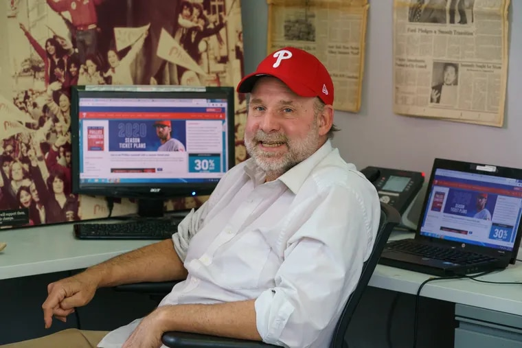 Will Bunch at his desk in The Inquirer office at 801 Market St.