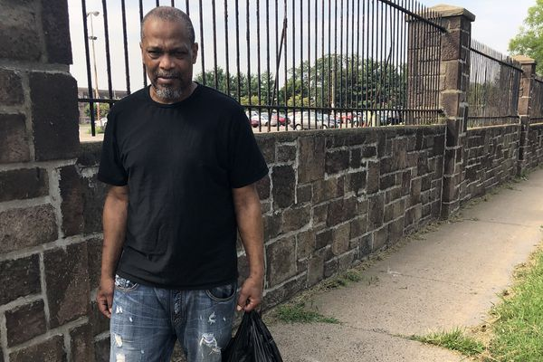 Each night, Philly jails release scores of inmates without returning their IDs, cash or phones