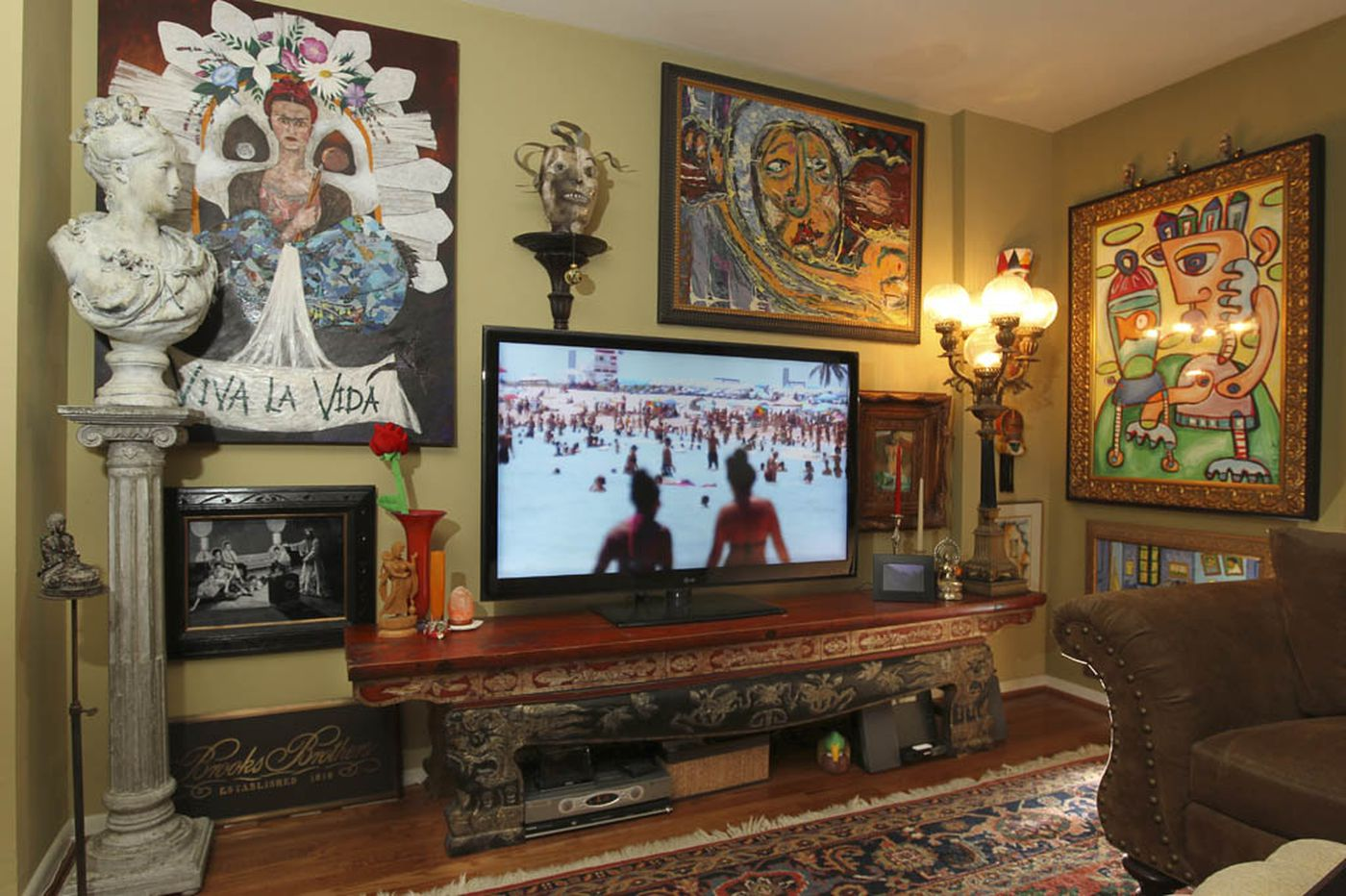 Ask Jennifer Adams: How to hide your living room TV in plain sight