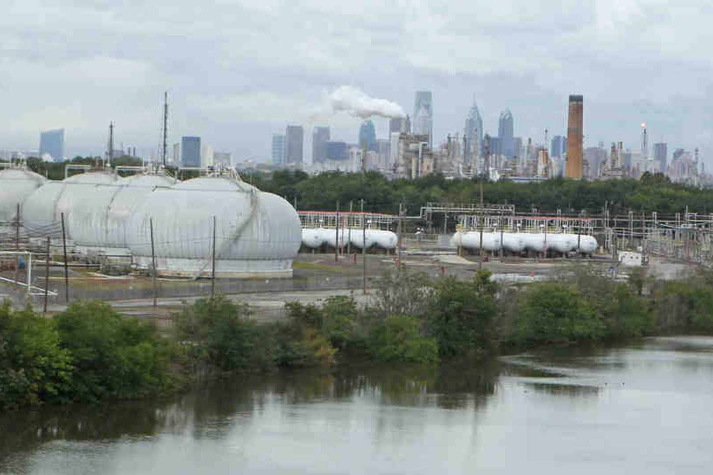 New use for bankrupt Philly refinery? City wants something 'cleaner, safer for Philadelphians'